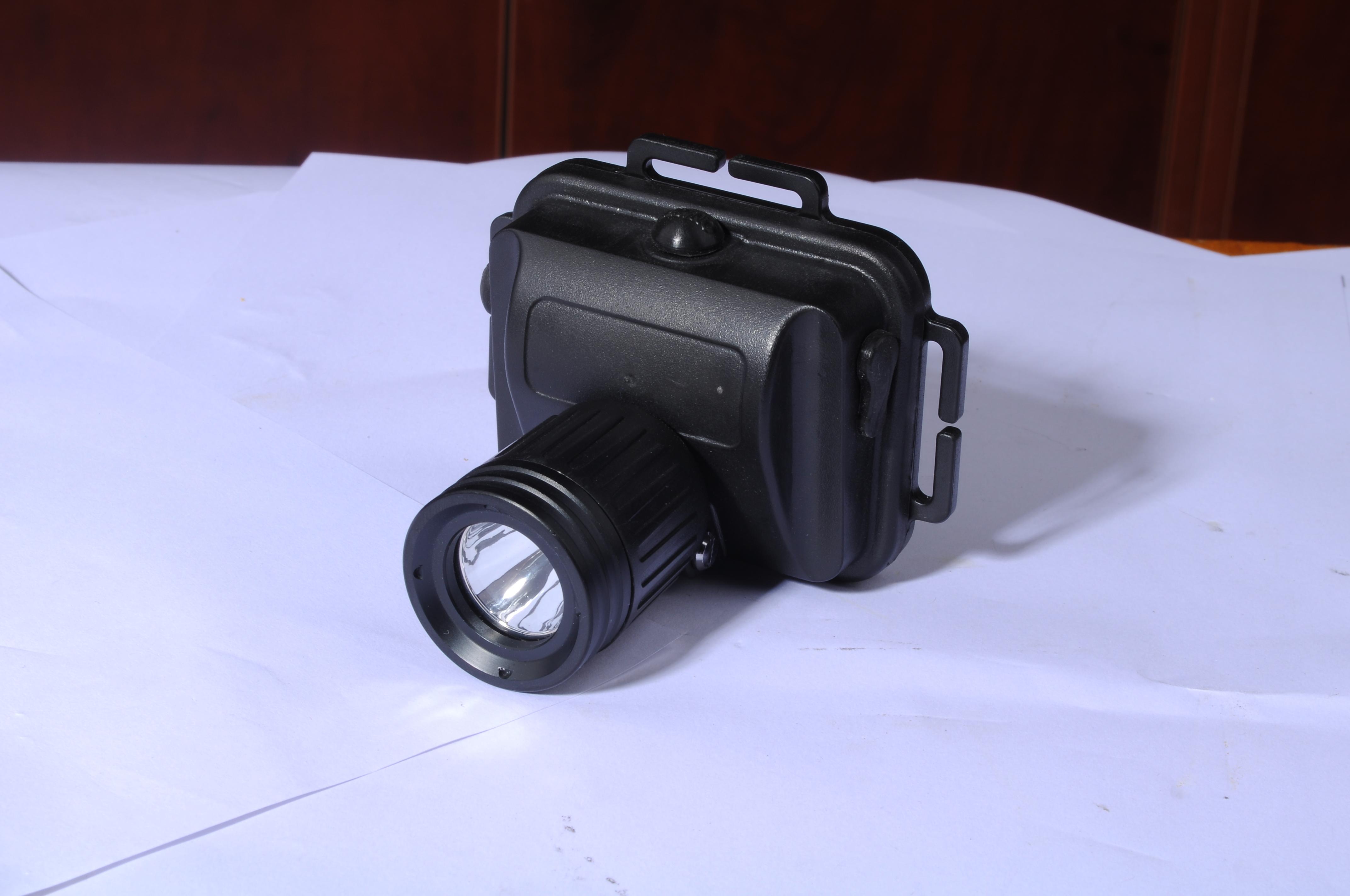 <strong>防爆头灯8103 3W微型照明灯</strong>