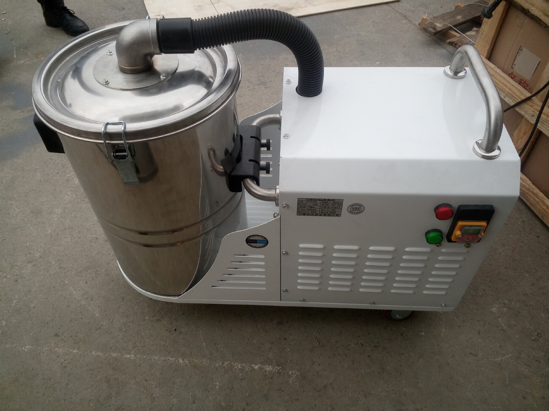 厂家吸石墨粉尘吸尘器 移动式脉冲反吹工业吸尘器 铝屑吸尘器示例图14
